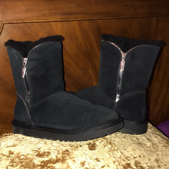 UGG Florence Black Suede Boots Size 7